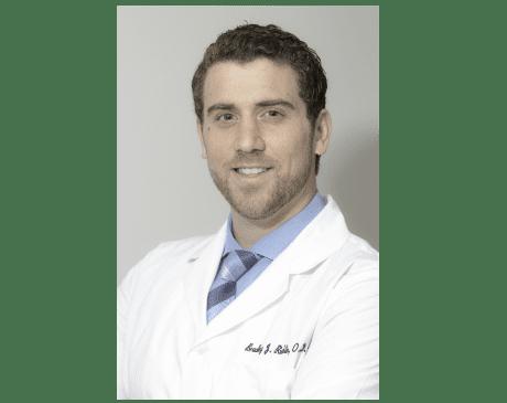 Beverly Hills optometrist Bradley Richlin